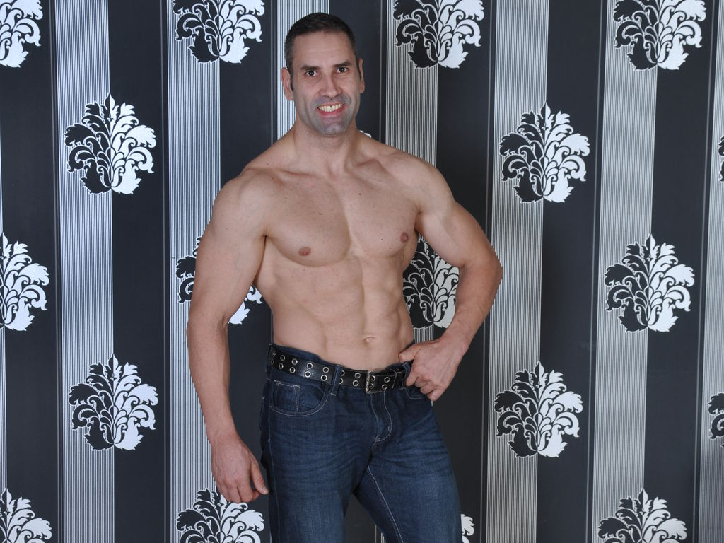 daddymuscle LiveJasmin