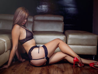 Annasimmons Marvellous Big Tits LIVE!-Hi everyone I am an