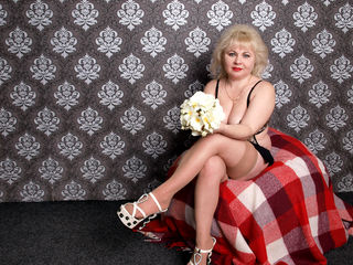 DAISHALovely -Hi guys im Hot and