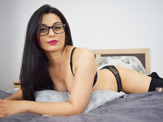 QueenRaniaa Jasmin Live-I see my self as a
