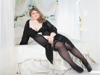 BootyShape Marvellous Big Tits LIVE!-I am a very