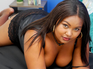 Webcam model akirataylor from Web Night Cam