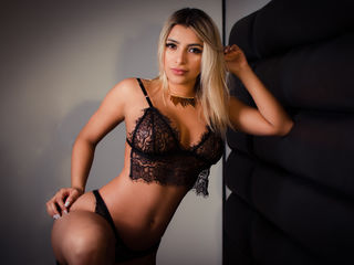 FernandaMazzeo -hey guys very hot