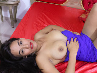 InnocentJulieta Addicted live porn-I am very active and