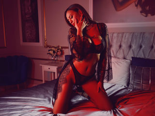 AllisaBelle -I m warm and