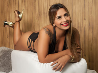 SoniiaMadison -I am very hot on