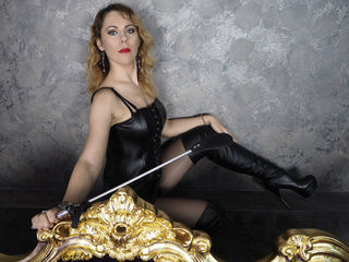 Voir le liveshow de  SavannahDomme de Livejasmin - 32 ans - I am a dominant Mistress. I have always been fascinated with BDSM. I remember even as a yo ...