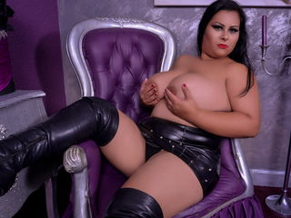 HugeTitsCasandra Amazing Cam Girls-I am very open to