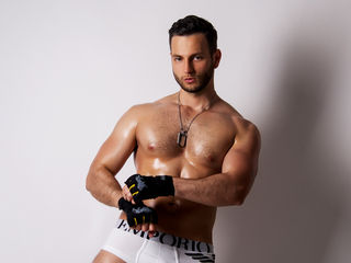 Voir le liveshow de  MarisMuscle de Livejasmin - 31 ans - Me equal your future addiction , very open minded - gym addicted and ready all the time to m ...