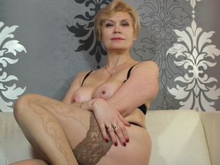 Voir le liveshow de  HOTsexyIRENE de Livejasmin - 52 ans - Hello there! If You see me on-line that means I'm as horny as hell - since I come on-line o ...