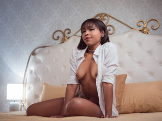 SophyaCarusso Marvellous Big Tits LIVE!-Hello I am Sophya a