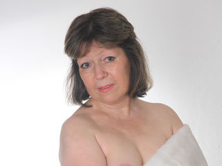 Voir le liveshow de  PrettySweeet de Livejasmin - 56 ans - VERY HAIRY LADY WAIT YOU  FOR YOUR PLEASYRE