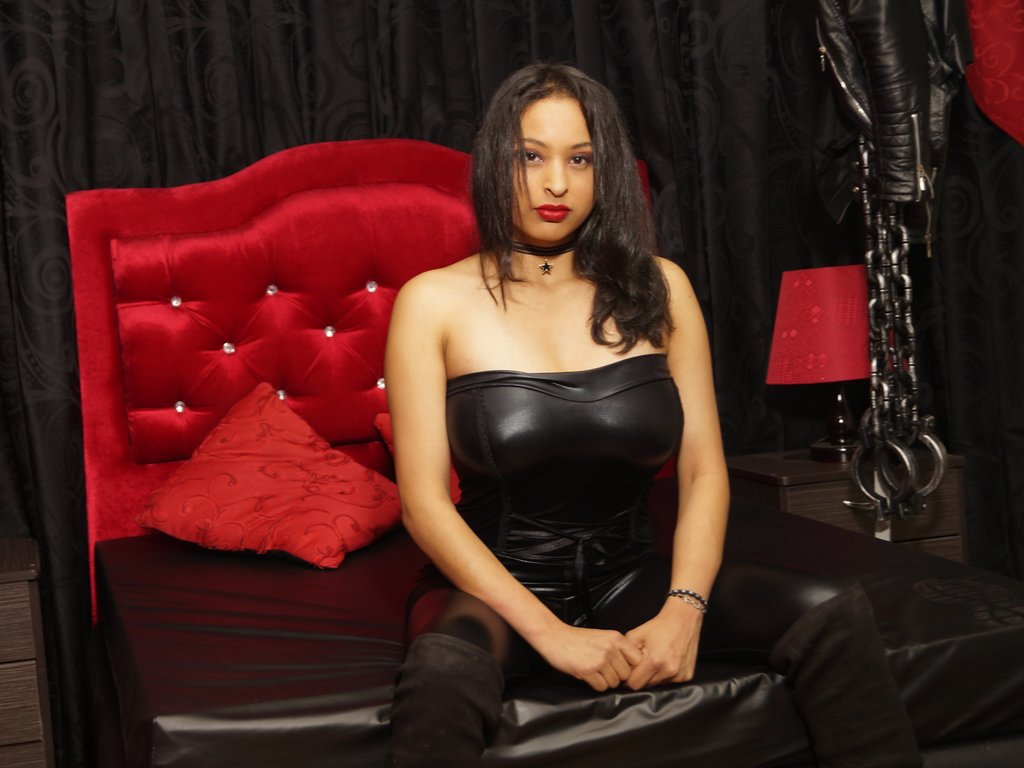 MartinaMontoya LiveJasmin