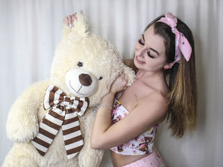 LovelyFiona4U Real Sex chat-I'm different) I can