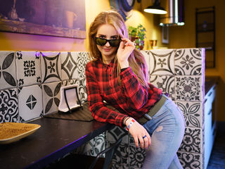 EffySun Marvellous Big Tits LIVE!-Im very very hot