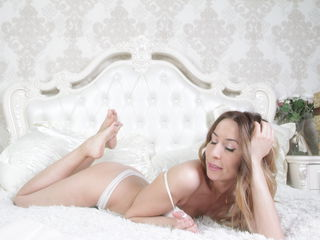 newnicacam Sexy Girls-I am a girl with