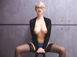 MoniqueSkye XXX Girls-I am Monique a one