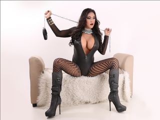 I Have Black Hair And At MyTrannycams I'm Named QueenOfCumsYhna, I'm A Sex Cam Engaging Transvestite
