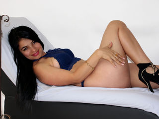 tarapeterson Marvellous Big Tits LIVE!-im so horny and