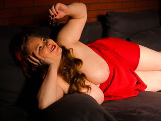 GianaPorn Marvellous Big Tits LIVE!-I am a kind of girl