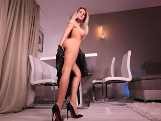 amidalaxxxx Marvellous Big Tits LIVE!-I love to tease and