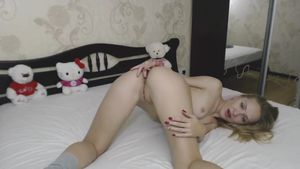 sexuallee-double-fingering-teen