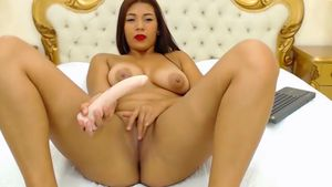 karolstone-dildo-getting-deep-in-pussy