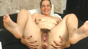 anawhite-hairy-pussy-getting-stretched