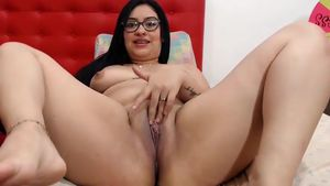 alessiawarren-kinky-latina-teases-her-clit-all-the-time