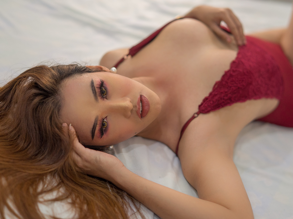 asianTopTreasure's live cam