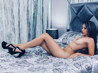 MelanyRiveiro Adults Only!-Hi my loves, I'm new