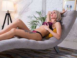 JessikaSwet Adults Only!-I can`t resist men