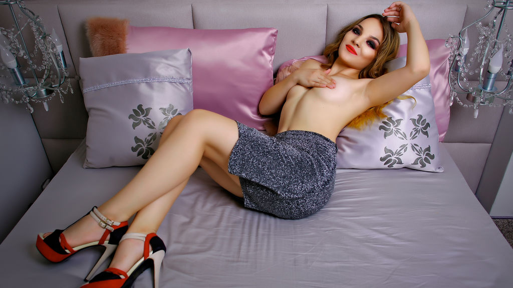 Watch the sexy SassyRiri from LiveJasmin at GirlsOfJasmin