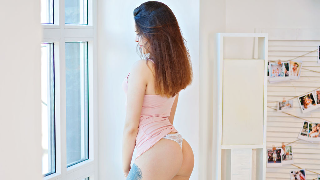 Watch the sexy EmilyScotch from LiveJasmin at GirlsOfJasmin