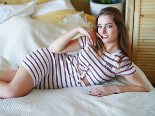 18 petite white female blonde hair blue eyes AngelicaLovess chat room