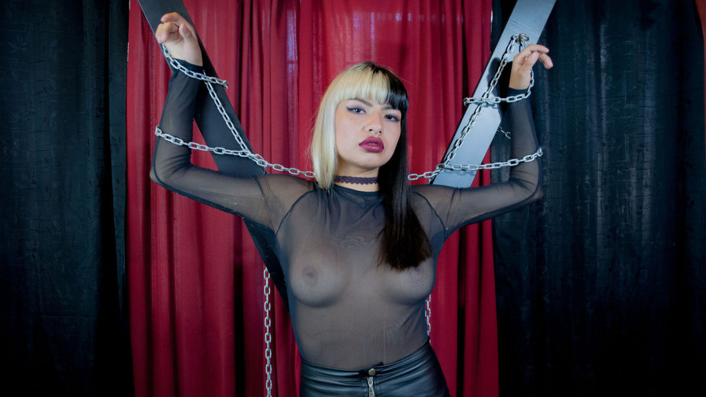 IvanaHogtie online at GirlsOfJasmin