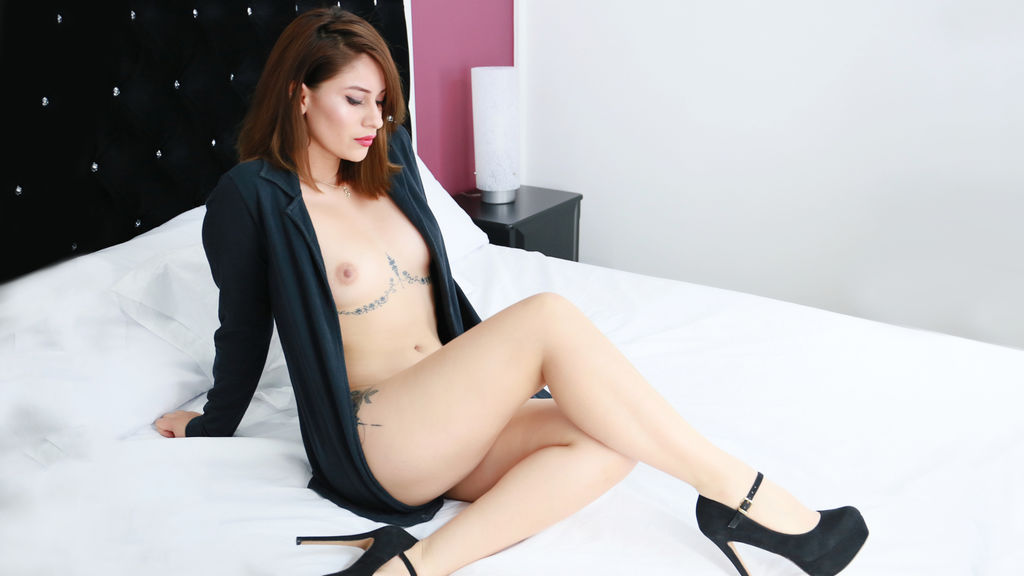 Watch the sexy MadissonLee from LiveJasmin at GirlsOfJasmin