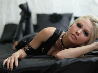 Webcam model ElenVampire from Web Night Cam