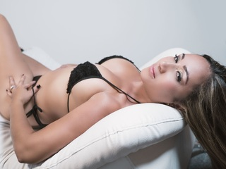 Webcam model CanelaSquiirt from Web Night Cam