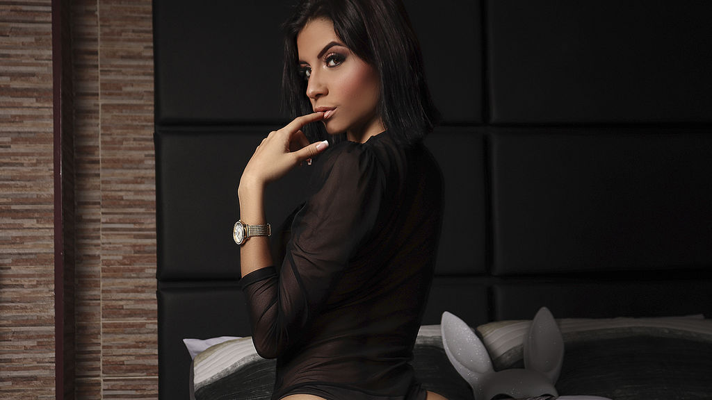 Watch the sexy AphrilJakovich from LiveJasmin at GirlsOfJasmin
