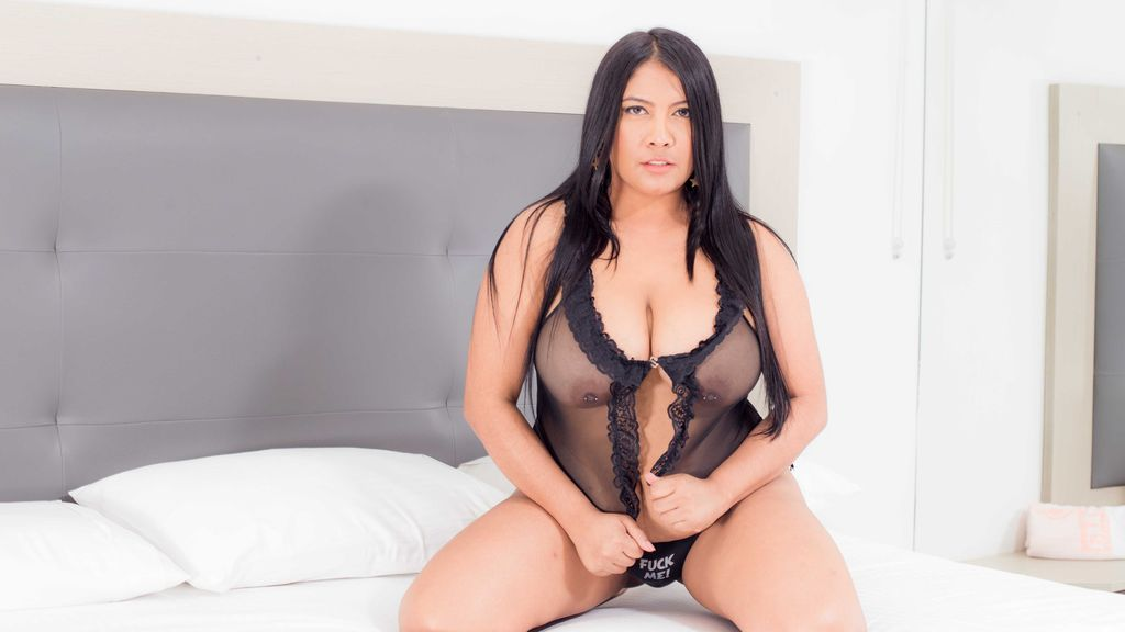 Watch the sexy SophiaNek from LiveJasmin at GirlsOfJasmin