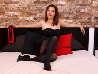 NicolleSinn Masturbate-I am a mature woman