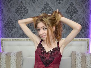 SellenaWonderful Adults Only!-I am a girl that