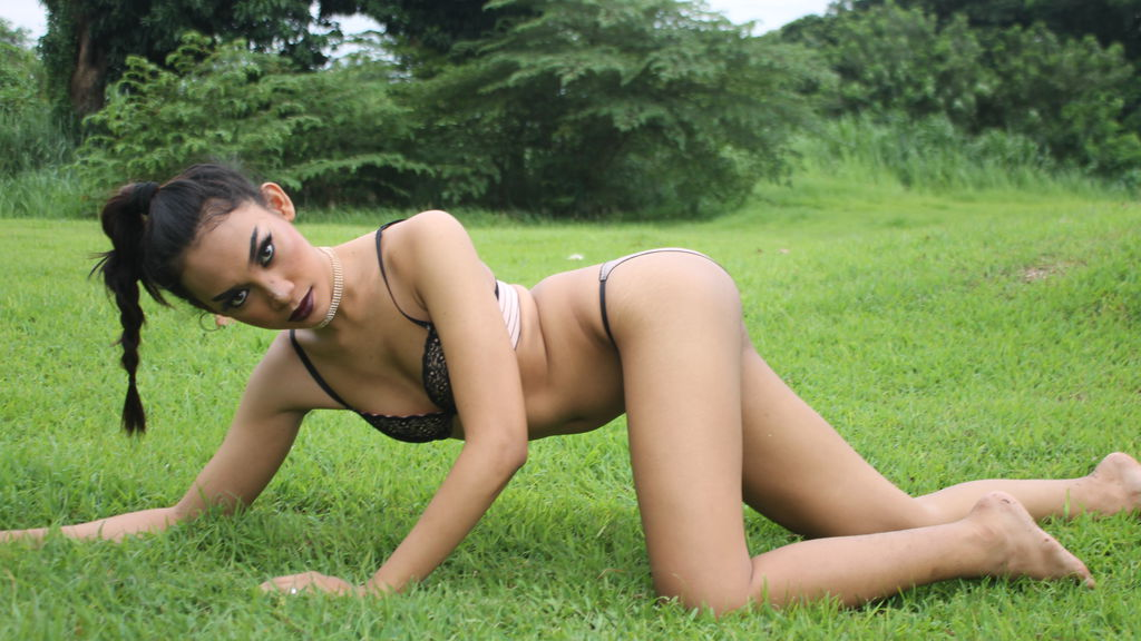Statistics of SkinnySavanna cam girl at BoysOfJasmin