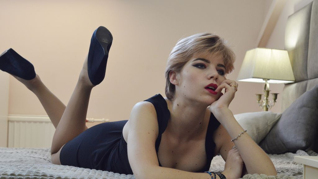 Watch the sexy LauraGrangeX from LiveJasmin at GirlsOfJasmin