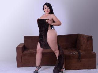 Webcam model latinpussyforyou from Web Night Cam