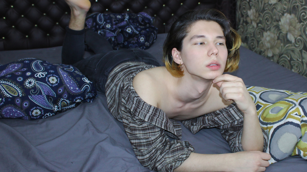 BillyGrace Webcam Model at LiveJasmin