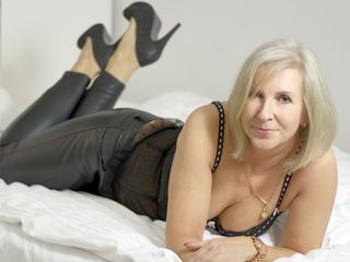 EricaLady Adults Only!-Step into my room