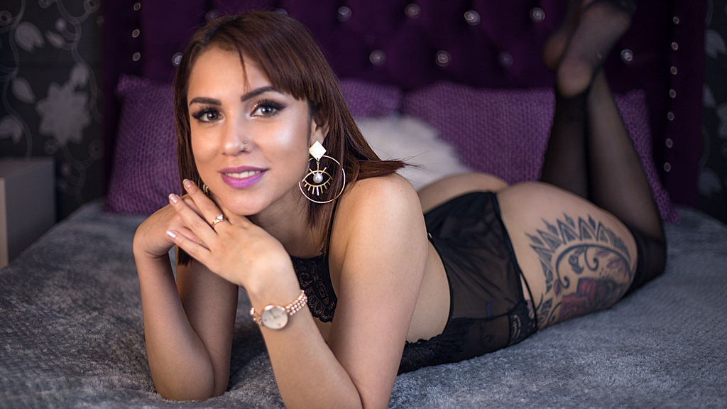 Watch the sexy AlexandraDelices from LiveJasmin at GirlsOfJasmin
