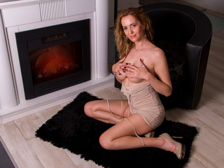 julyblondy Adults Only!-Kind and sensual. I